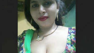 Desi Sexy bhabi mms lacked