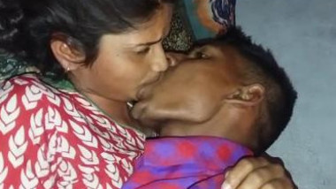 Desi indian lover kissing and romance