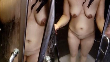 Indian Hot Wife Shower clip