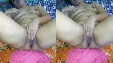 BF exposes Hot Sexy Bangla Wife Boob and Pussy Capture By HubbyGF, She wants the cum in her mouth