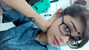 Hot Tamil Desi Girl Lacked Selfie Videos Part 1