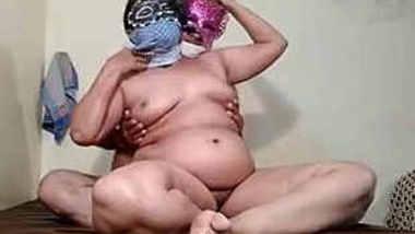Mature babe Deepa bhabhi sucking and hard fucking