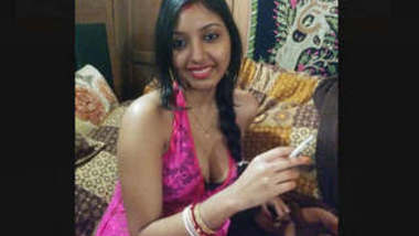 Famous Unknown Bhabhi Nude and Sex Clips Part 2