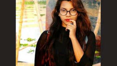 Bangladeshi Model Humya Tanvin Tuktuky Viral Nude Videocall Part 1