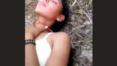 Sexy girl Outdoor Fucking with lover very horny