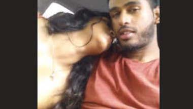 Desi hot couple romance in car