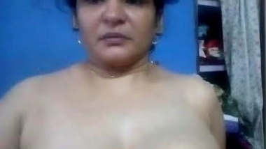 Very horny and beautiful milk tanker bhabhi show, nipples is just wow