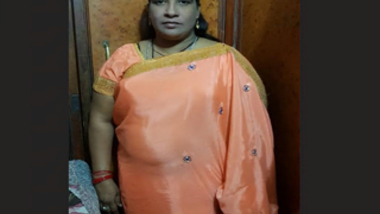 Desi BBW reshma aunty Blowjob