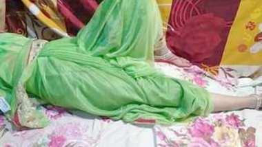 Married bhabhi shalni ki hotel me chudai Saree sex