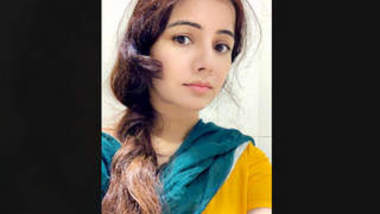 Pak Pop Singer Rabi Pirzada Nude 6 Clips Part 5