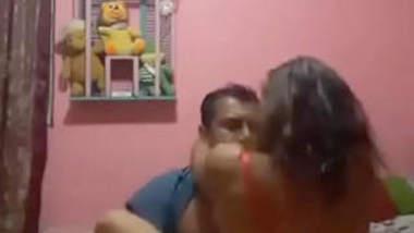 Desi Couple sex in Bed! Couple Romantic Sex in Shop! Desi Aunty Hord Blowjob Uncle