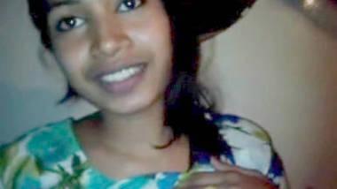 horny Desi beauty parlour girl leaked scandal