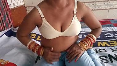 Desi sexy bhabi fucking with boss on hotel