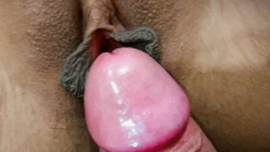 Desi girl shaved pussy fucking 2 clips