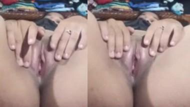 Bhabi Showing Pussy