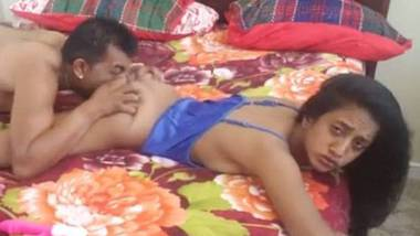 Super sexy free Indian couple porn