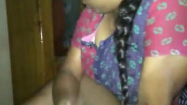 Mallu Aunty Hand Job & Boobs Show 2