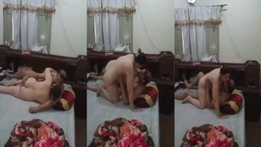 Chubby Bhabhi cheating sex video caught by her husband