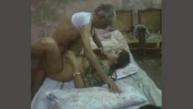 Paki Old Man Fucking Daughter In law Leaked 1