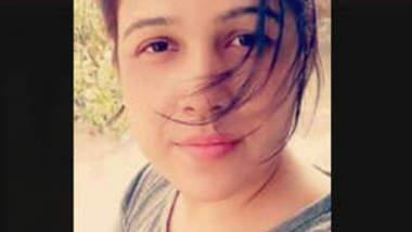Bathing desi girl leaked video