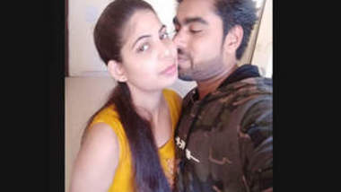 Desi new Couple HD Photos Fucking Video Leaked 1