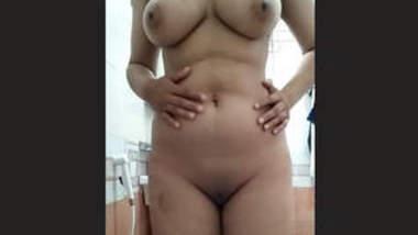 Booby Paki Teen Babe Nude Show