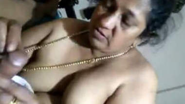 Mature Desi Aunty Giving Bj And Nude Show Merged Clips