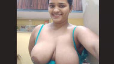 Desi Horny Huge Booby Girl 4 Videos Part 2