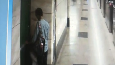 Metro station blowjob sex video of a young and horny couple