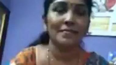 Malayali aunty showing yoni – Solo nude MMS