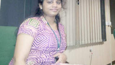 South Indian office Aunty nude Videos Part 1