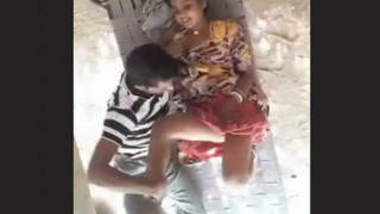 Desi Village Lovers Fucking in Day time