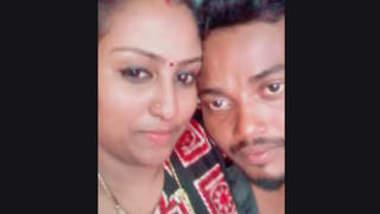 Desi Hot Mallu Couples Smooching