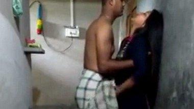 Indian bathroom romance foreplay clip