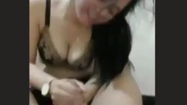 Beautiful Girl Handjob & Blowjob