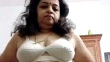 Malayali aunty nude selfie show video