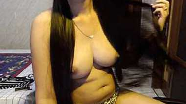 sexy Indian girl showing her hot tite boobs
