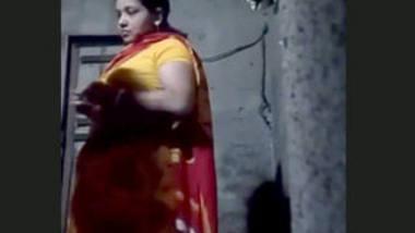 Desi bhabi open her boobs before fucking