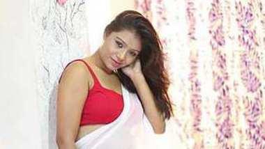 Bengali Milf Jui Lahiri in hot red saree
