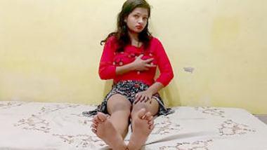 Desi cute girl show her sexy boobs
