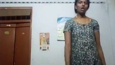 Tamil aunty undressing video