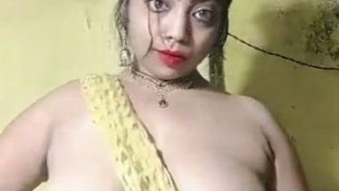 Kama Keli Big boob show video