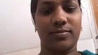 Tamil aunty toilet video washing chut