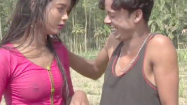 Desi cute teen show her small boobs on Bengali film