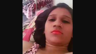 Desi village boudi show her nice boobs