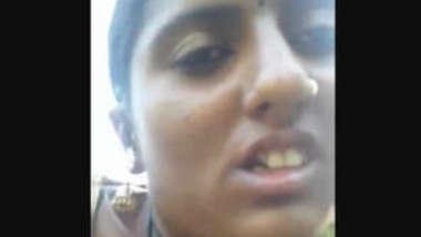 Desi hot face sexy village bhabi outdoor fucking