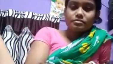 Desi village randi in saree exposing thick pussy