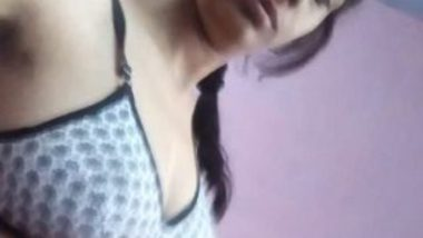 Indian solo striptease MMS