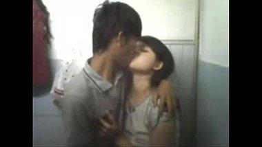 Indian blue film of an amateur couple enjoying romantic home sex