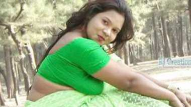 Desi village bhabi hot photoshoot
